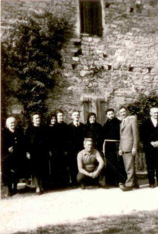 Famiglia Pellesi. Suor Maria Rosa è la terza da sinistra